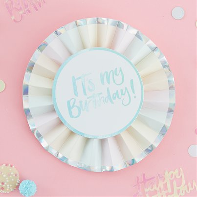 "Medalla ""It´s my Birthday!"" (¡Es mi cumpleaños!) en color pastel iridiscente"